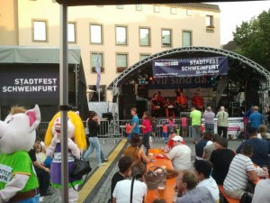 DBIS-2013 - PASE-Praktikum Stadtfest